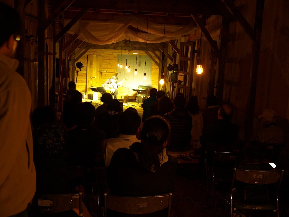 蔵のキヲク展トオリニワコンサート